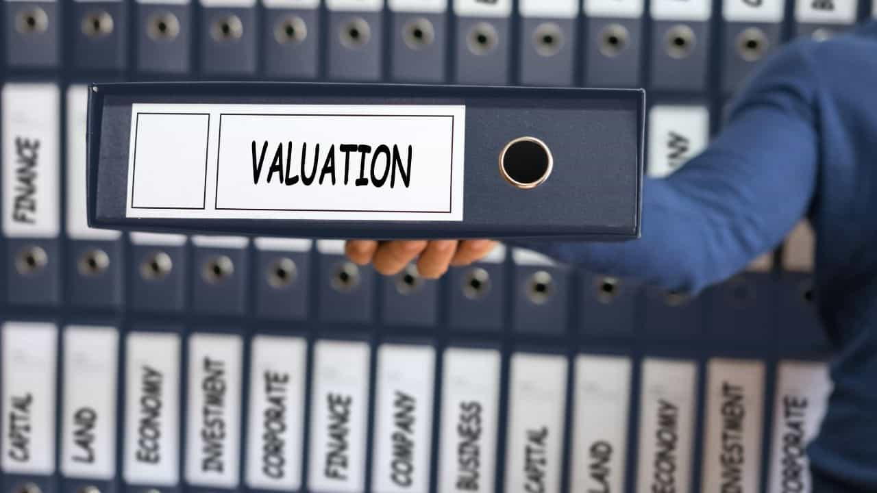 WHAT AFFECTS A BUSINESSES VALUATION